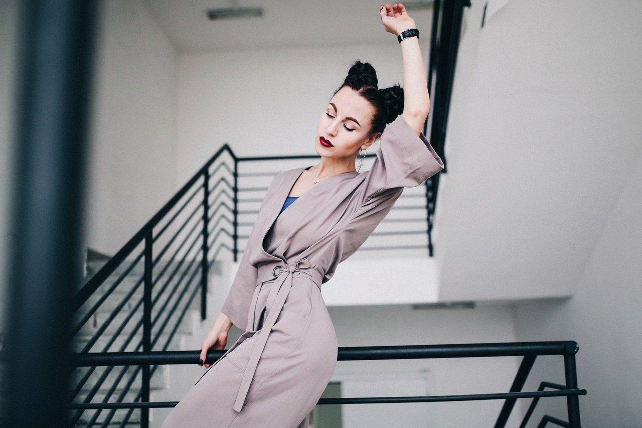 Работа девушке моделью югорск работа в малая вишера
